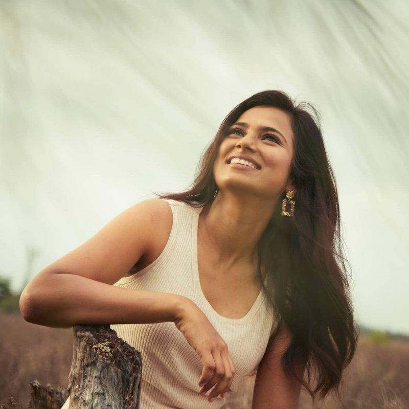 Actress Ramya Pandian Mar 2021 Photos 7269