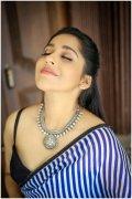Pic Tamil Heroine Rashmi Gautam 1128