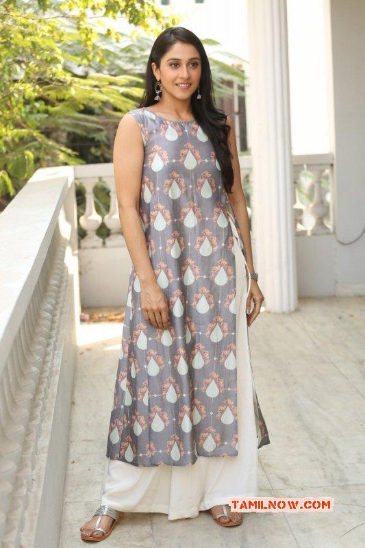 New Still Tamil Movie Actress Regina Cassandra 1164