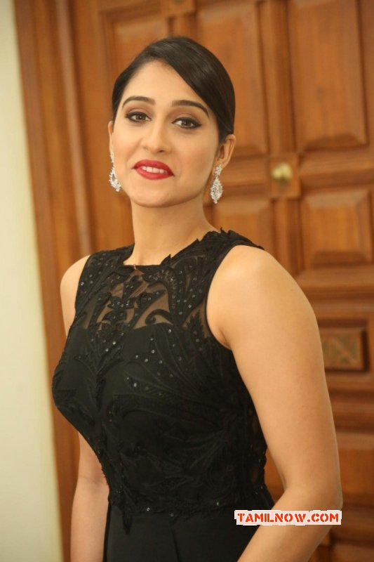 Regina Movie Actress Photo 951