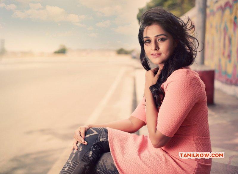 2016 Photos Tamil Actress Remya Nambeesan 9580