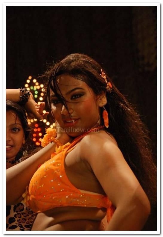 Actress risha 5