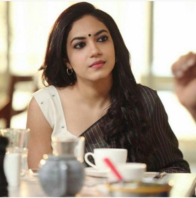Tamil Movie Actress Ritu Varma New Wallpaper 4278