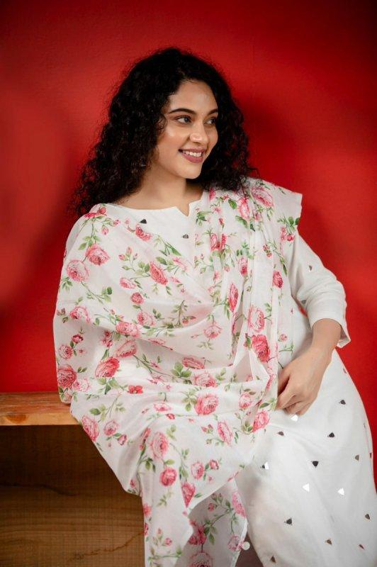 Nov 2020 Wallpaper Tamil Movie Actress Rupa Manjari 3621