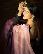Jul 2020 Stills Film Actress Sakshi Agarwal 8108