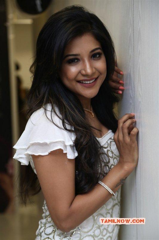 Latest Gallery Sakshi Agarwal South Actress 4643