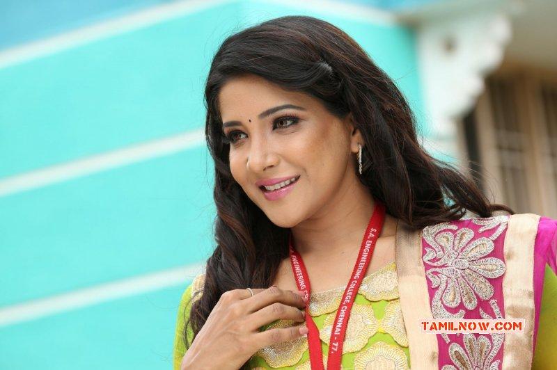 Movie Actress Sakshi Agarwal 2014 Pictures 909