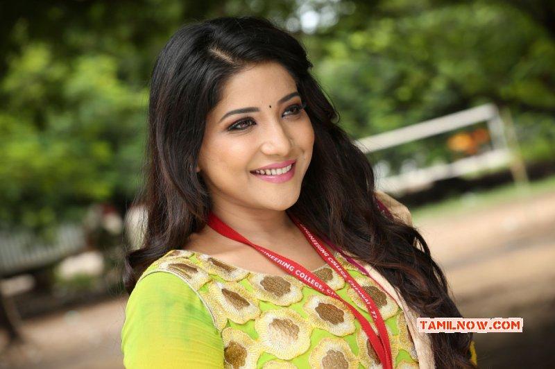 New Galleries Sakshi Agarwal Cinema Actress 3717