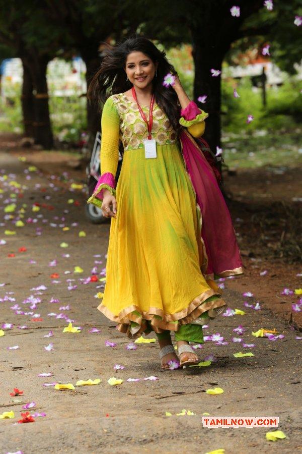 New Pictures Sakshi Agarwal 7903