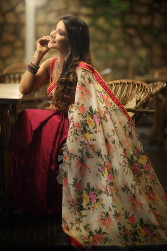 Nov 2019 Album Sakshi Agarwal Actress 7778