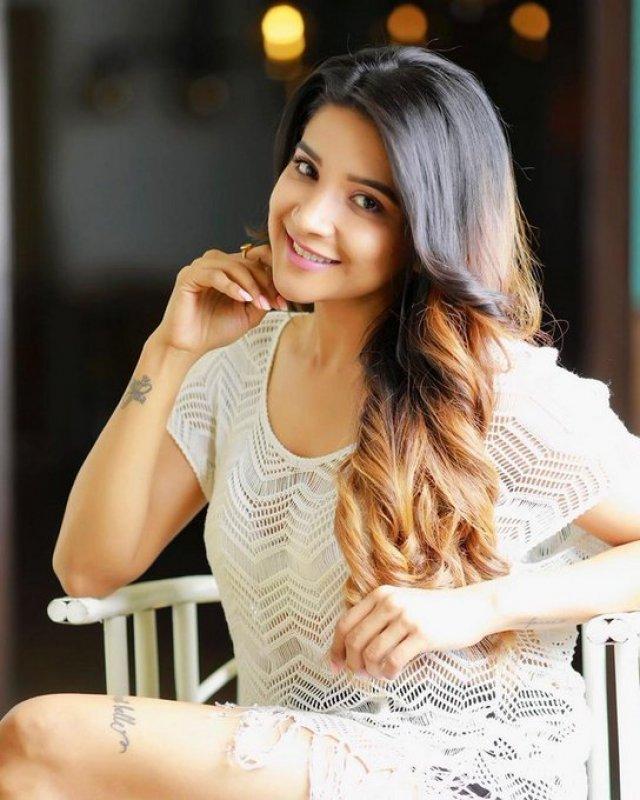 Pics Sakshi Agarwal Actress 9525