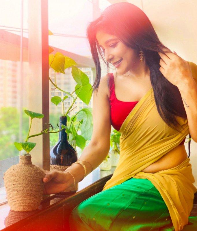Recent Pic Sakshi Agarwal Cinema Actress 1230