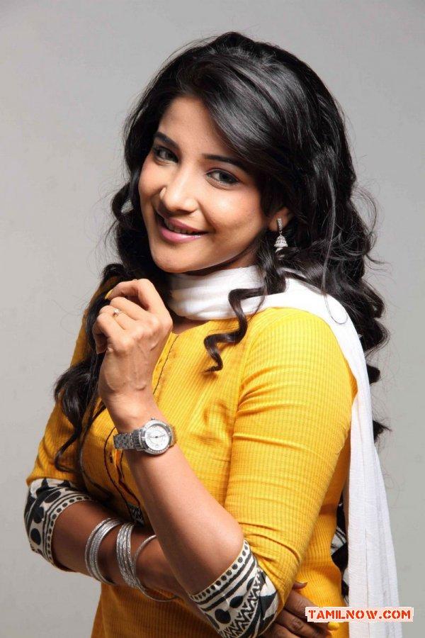 Sakshi Agarwal 9142