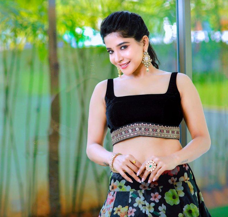Sakshi Agarwal Film Actress Feb 2021 Pictures 577