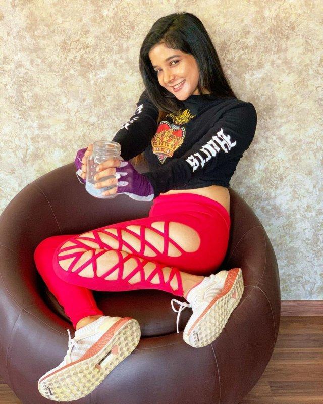 Sakshi Agarwal Movie Actress New Picture 2064