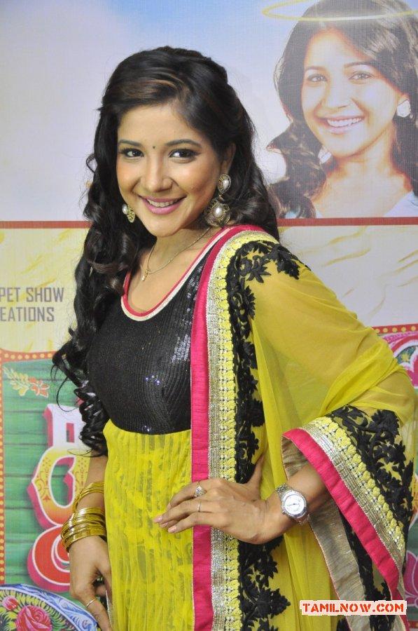 Sakshi Agarwal Photos 8672