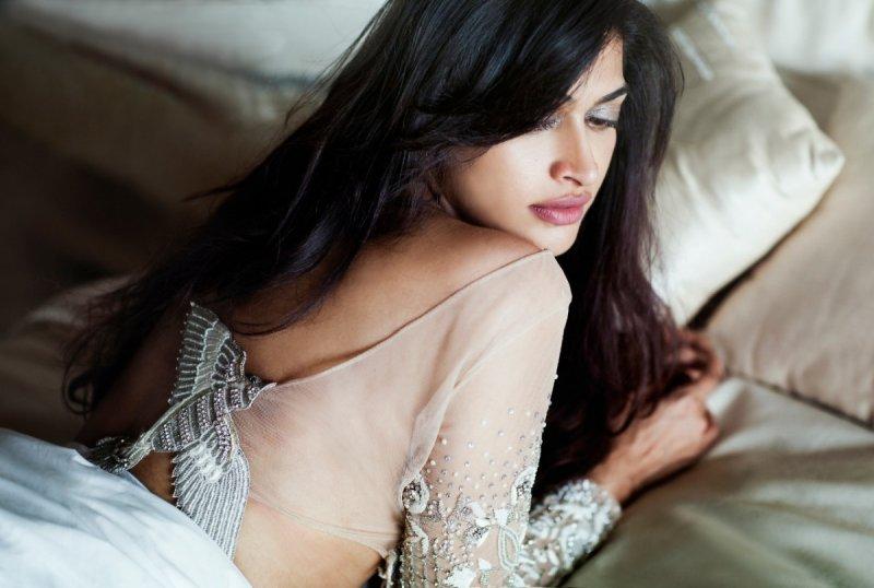 New Wallpaper Film Actress Salony Luthra 2354