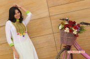 Albums Sanam Actress 7516
