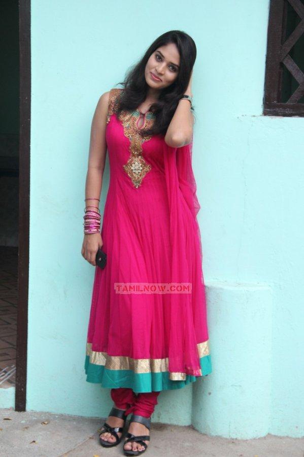 Actress Sania 5888