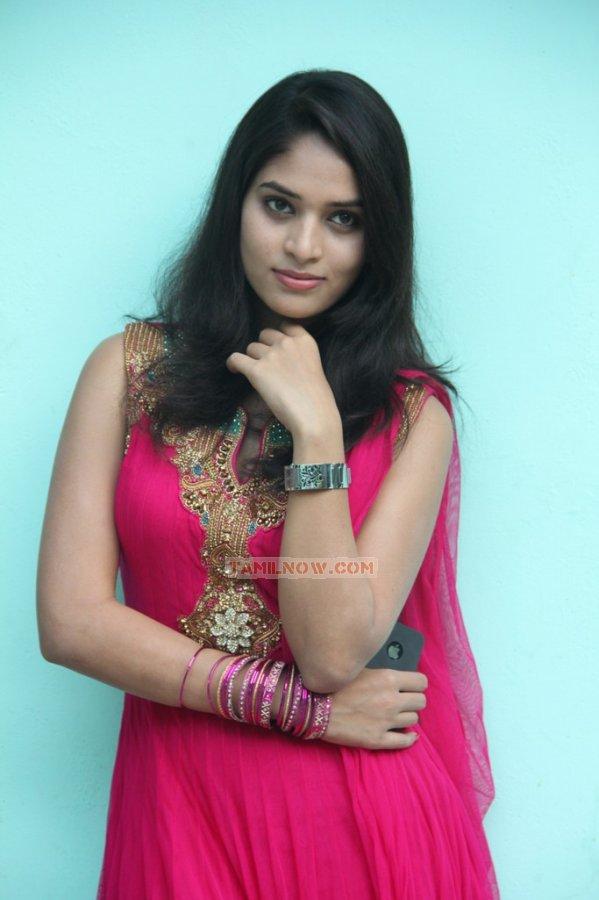 Tamil Actress Sania 39