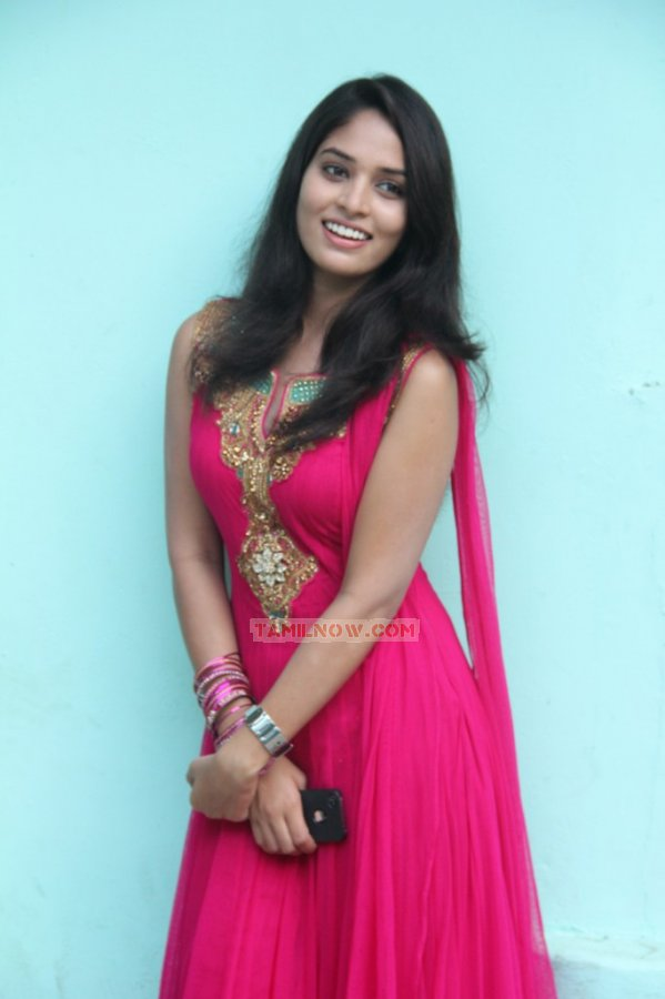 Tamil Actress Sania 819