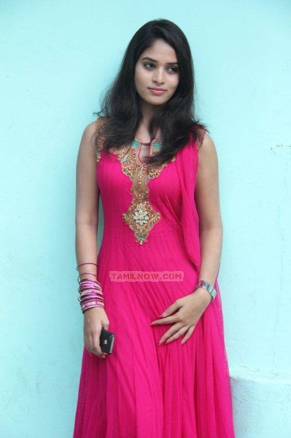 Tamil Actress Sania Photos 8848