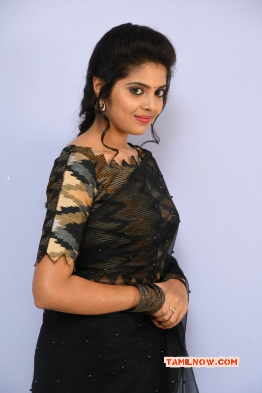 Tamil Actress Shravya Reddy New Image 9499