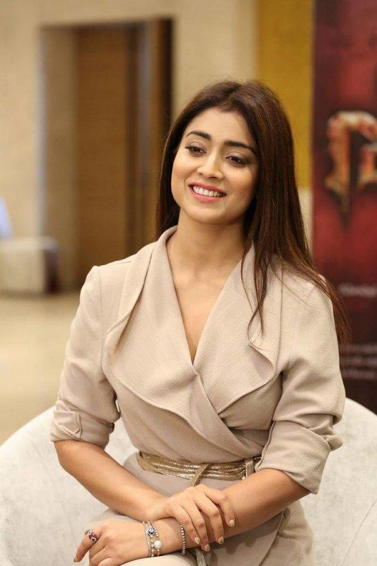 New Wallpaper Shriya Saran Tamil Actress 2771