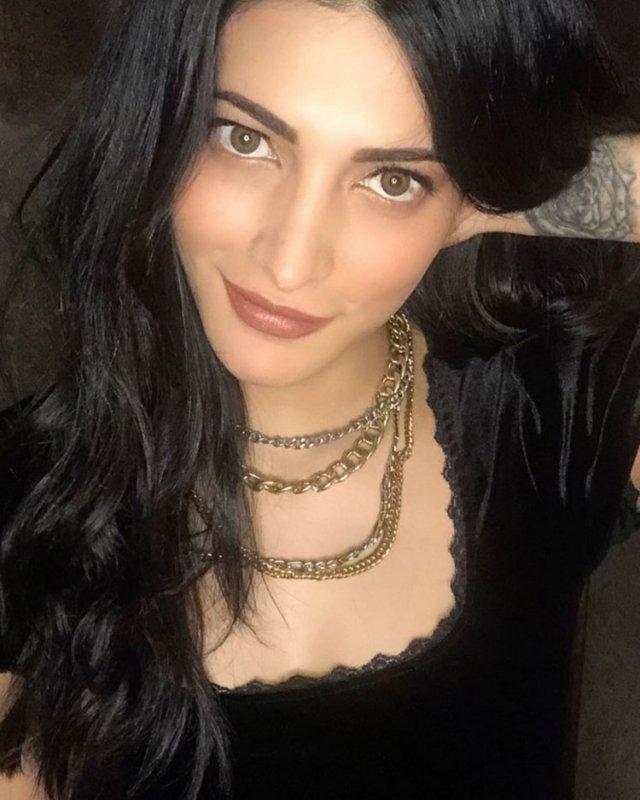 Shruthi Haasan Actress Jul 2020 Pics 8461