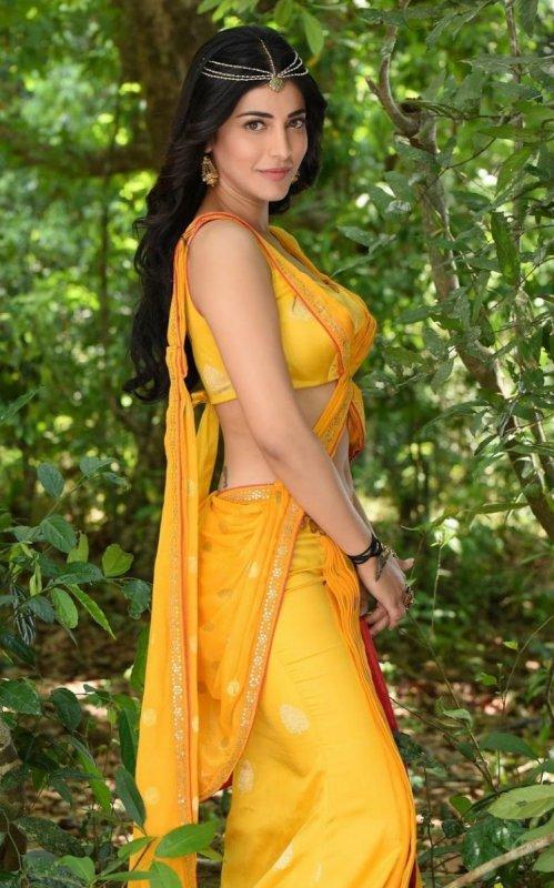 Tamil Heroine Shruthi Haasan Recent Still 3872