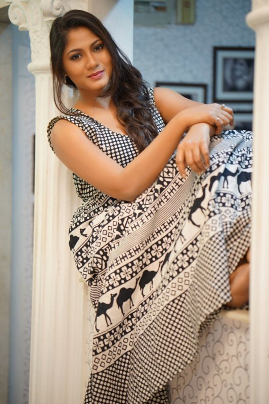 Actress Shruthi Reddy New Images 4534