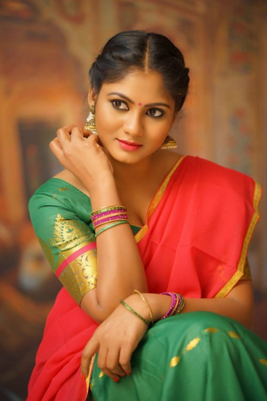 Latest Gallery Shruthi Reddy Cinema Actress 2554