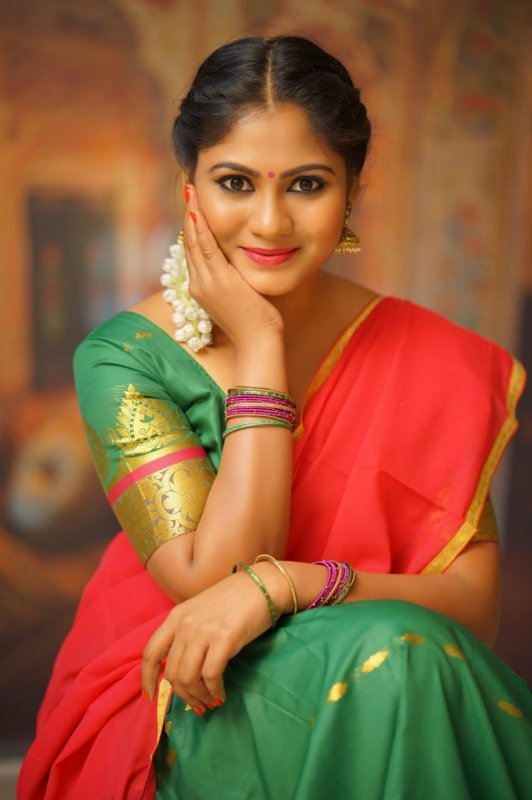Pics Shruthi Reddy Cinema Actress 7128