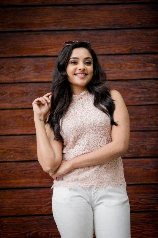 2019 Picture Tamil Actress Smruthi Venkat 8132