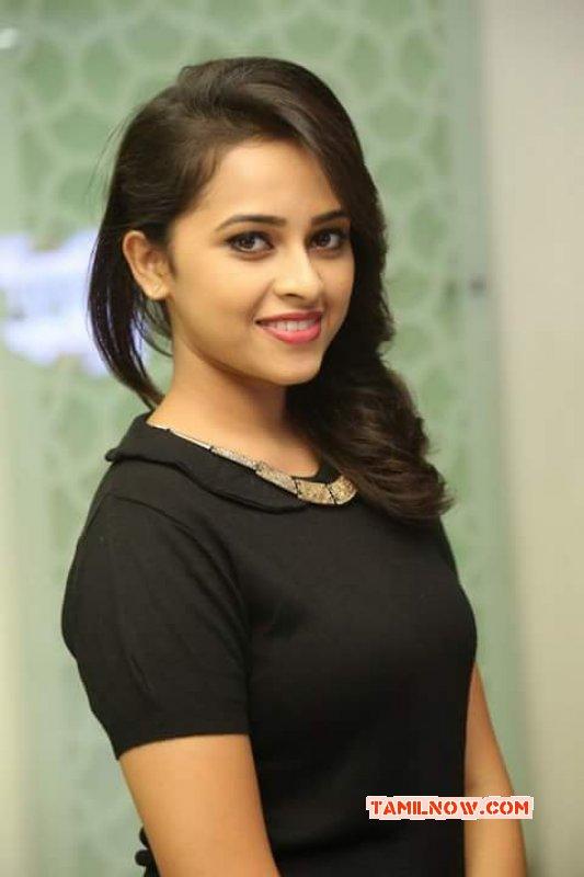 2017 Gallery Sri Divya Tamil Actress 5791