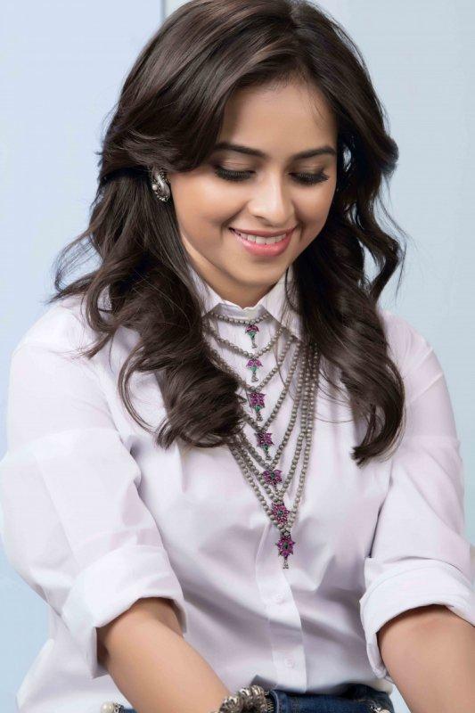 2019 Pics Sri Divya Film Actress 5789