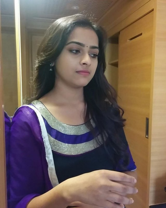 Albums Sri Divya Film Actress 7481
