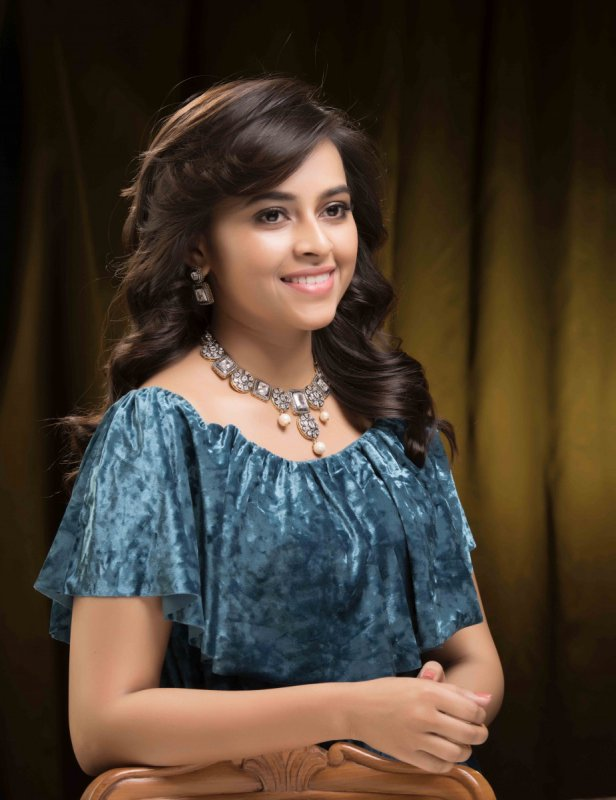 Sep 2019 Images Sri Divya Movie Actress 4102