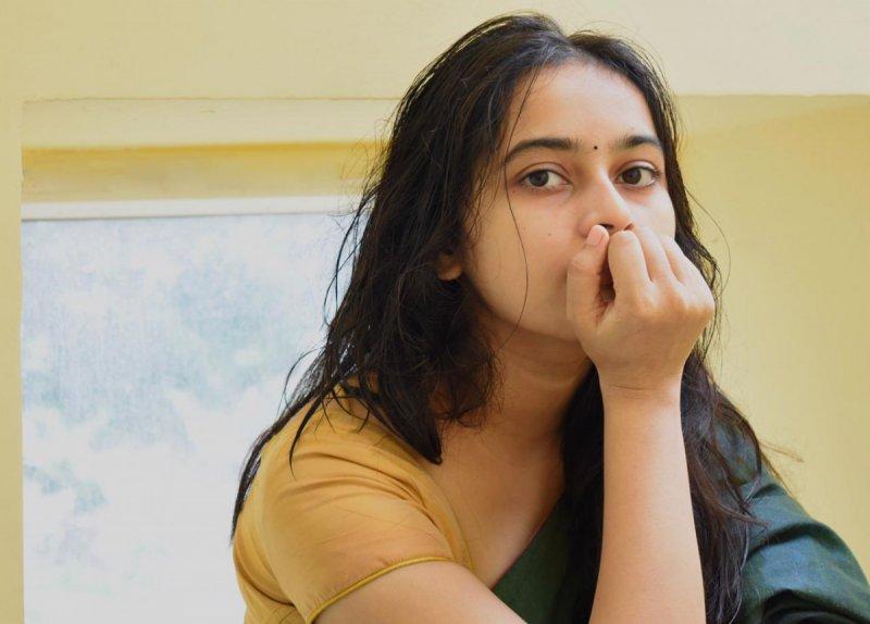 Tamil Actress Sri Divya Latest Images 3398