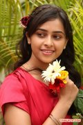 Tamil Actress Sri Divya Stills 8606