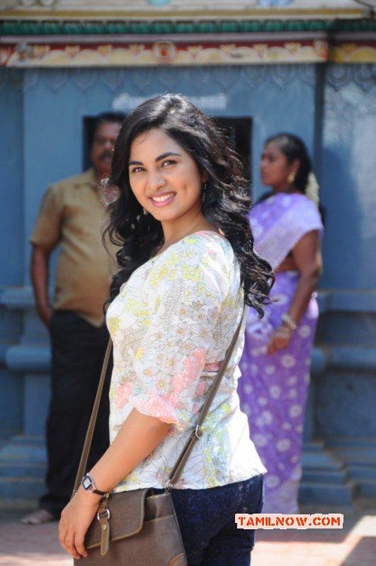 Srushti Dange Cinema Actress Dec 2016 Image 9735
