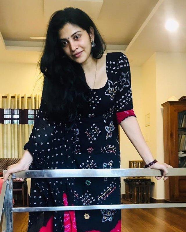 Tamil Movie Actress Sshivada Latest Photos 9373