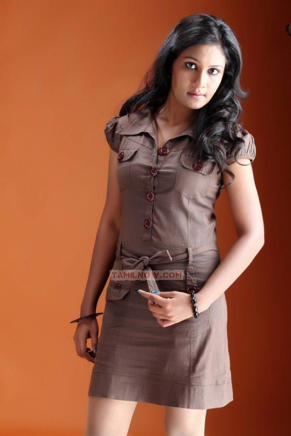 Actress Suhasini Hasini Stills 8778
