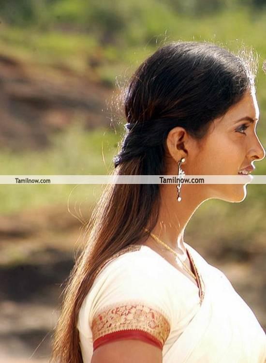 Actress Suhasini Still 3