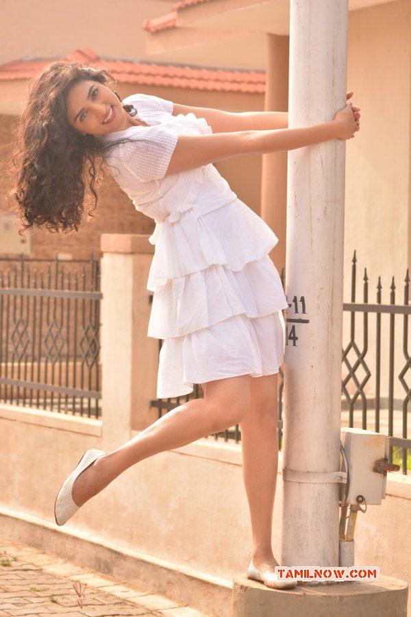 New Gallery Indian Actress Sukratha Wagle 3239