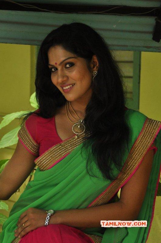 Recent Image Swasika South Actress 6524