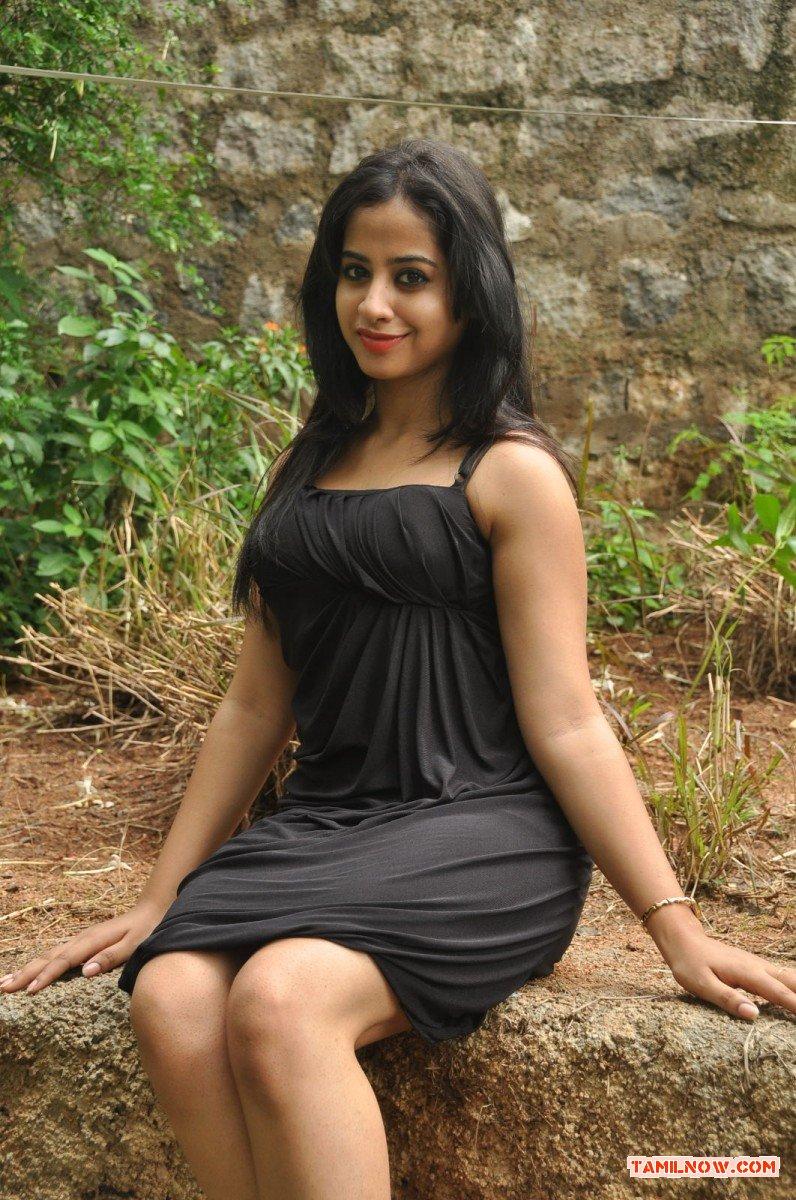 Actress Swathi Deekshit Photos 4380