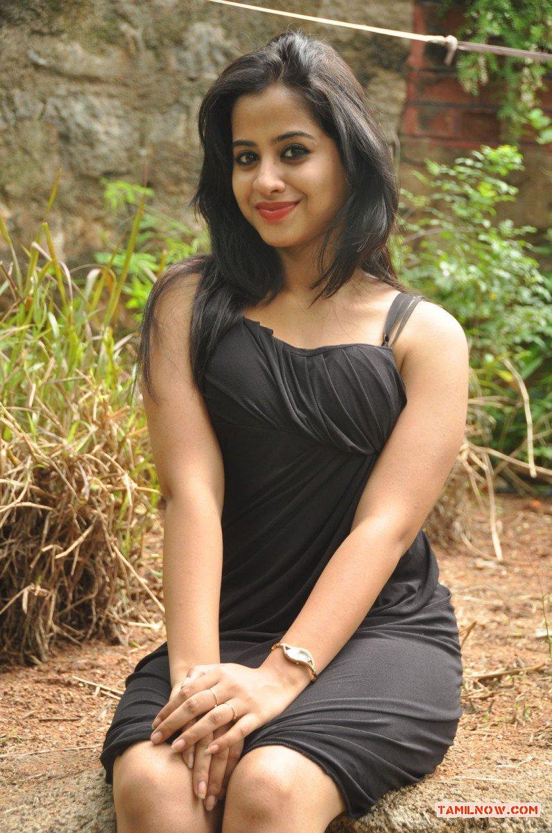 Actress Swathi Deekshit Photos 5974