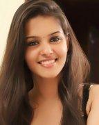 South Actress Swathishta Krishnan Wallpapers 5521