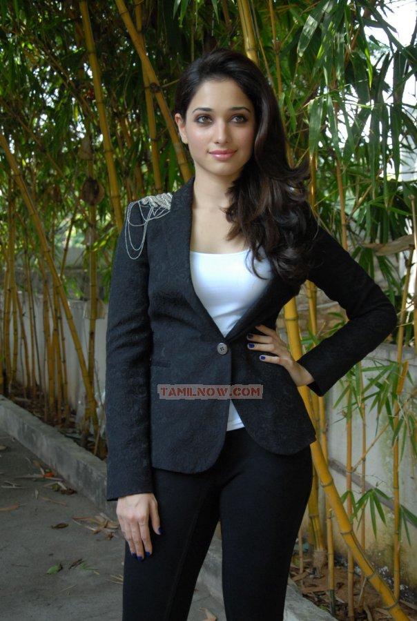 Actress Tamanna Photos 7129